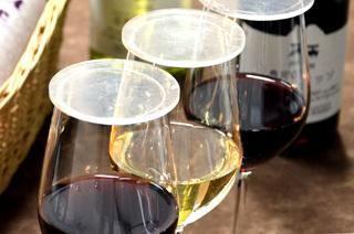 ワイングラスに蓋