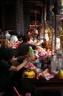 台湾の寺院で02
